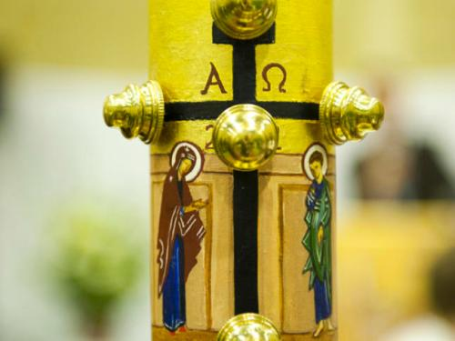 Easter-Vigil-with-Neocatechumenal-Community-The-Paschal-Candle_large.jpg