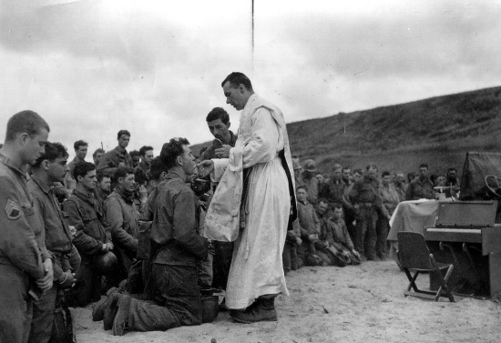 diocesePhoenix-catholic-justWar-catholicMass-during-wartime